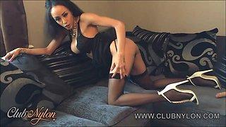 Ebony big tits slut fucks her pussy in nylon stockings lingerie and high heels