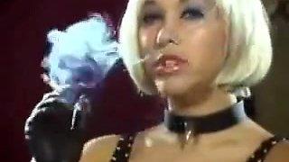 Super hot mistress smokes