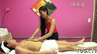 Hot masseur enjos pleasing her stud with a oral sex