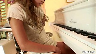 Tickling The Ivory's / Melanie Rios