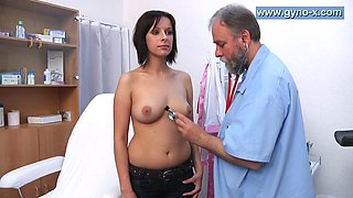 Fake doctor takes advantage of an innocent l's pussy