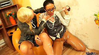 BUSINESS BABES GET THEIR GLORYHOLE SLIME-DOWN