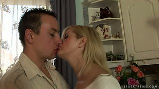 Dissolute blonde granny Jennyfer sucks yummy hard dick of a horny stud