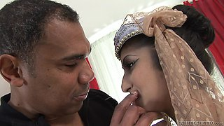 Indian Wife Meets A Bbc @ Real Indian Housewives #4