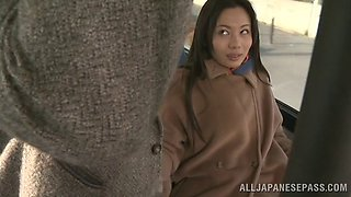 Amateur Asian Couple Meets In The Bus And Fuck