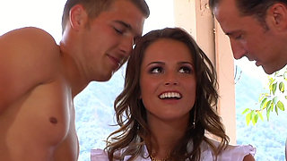 Oversexed Tori Black licks big cocks and gets fucked in threesome