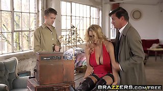 Brazzers - Shes Gonna Squirt - Leigh Darby and Danny D -  Spunky Pythons Flying Squirtus