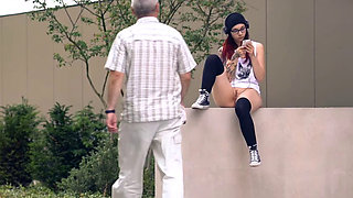 Skateboard girl flashing in public