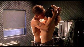 Dina Meyer - Starship Troopers (HD)