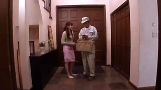 Need Source Code or Actress Name - Japanese Housewife Teased by Deliveryman