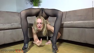 flexible contortionist tatyana pose 3