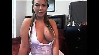 Big boobs blonde babe cameltoe 18