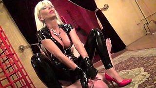 Mistress Storm choke, domination, slave, face sitting