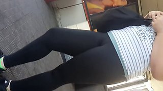 girl in black sports leggings (part 1)