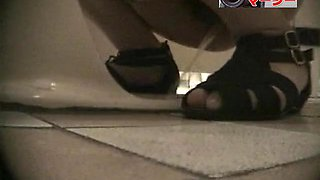 Girls peeing in the common toilet voyeur spy cam video