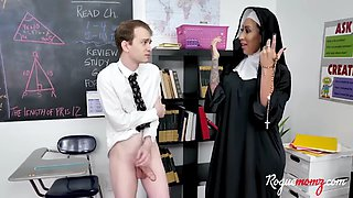 Nun teaches students threesome
