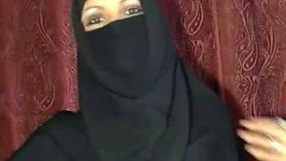 Kinky Pakistani sexy girl in hijab flashing goodies