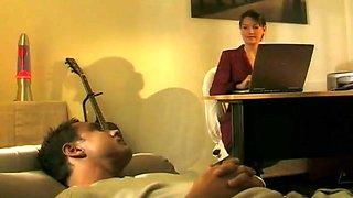 Sexy psychoanalyst listens feet addict fantasies