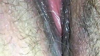Pregnant hairy amateur gives solo