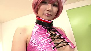 Cosplaer chick gets her pussy streched by a hard cock