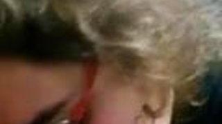 Turkish Gozluklu Olgun Kocasina Sakso Cekiyor