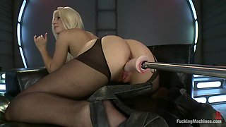 Adorable Jessie Volt gets her pink pussy toyed by a machine