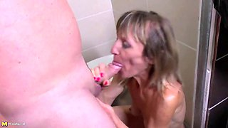 Pissing and rough fuck with mature mother
