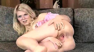 Blonde Loves Gaping Pussy