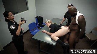 Milf fucks gym instructor and big tit ass brunette Milf Cops