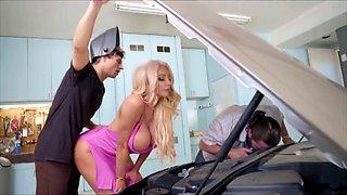 Nicolette shae car hump