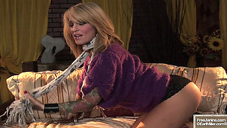 Janine Lindemulder sexy posing vintage Solo