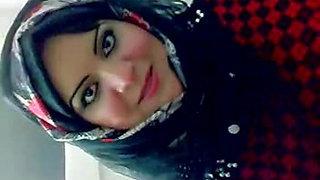 Arab Hijabi Whore Dancing