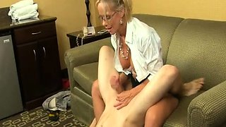 Spex cougar wanking cock in CFNM action
