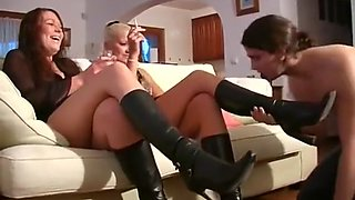 Femdomsh3d boot domination and lick