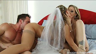 Julia Ann, Nicole Aniston and Johnny Castle having kinky threesome at the wedding night