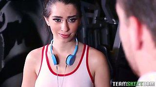 slutty fitness girl joseline kelly fucks a security guy in a gym