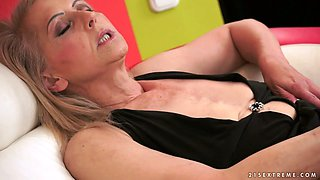 Lusty granny Ilona G gets her hairy twat poked well