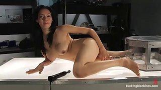 solo sex machine scene by amateur brunette