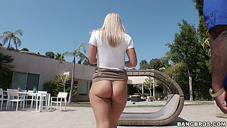 Sassy blonde chick Candice Dare gets bbc deep inside her