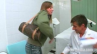 Klinik Sex mit Krankenschwester Sandra