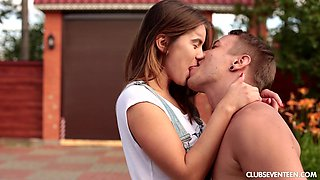 Hardcore outdoor blowjob and a doggy fuck with a beautiful teen babe