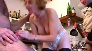 Filthy mature French housewife having dirty threesome