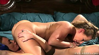 Carter Cruise and Kayden Kross play with their juicy pussies