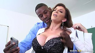 Brazzers - Sara Jay - Big Tits At School