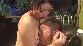 Japanese husband discovered his wife infidelity (full: bit.ly2qcfgiw)