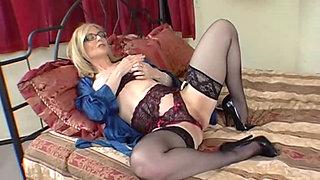 Thick Ass White Girlz 3 - Nina Hartley