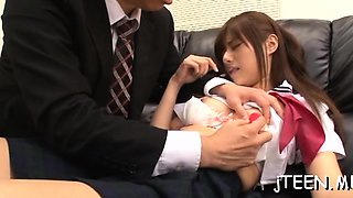 Japanese schoolgirls gives steamy oral-sex and collects jizz