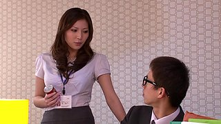 Yuna Shiina Reverse Sexual Harassment Of Female Office Dekiru