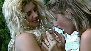 Sensational blondies with natural big breasts start FFM threesome